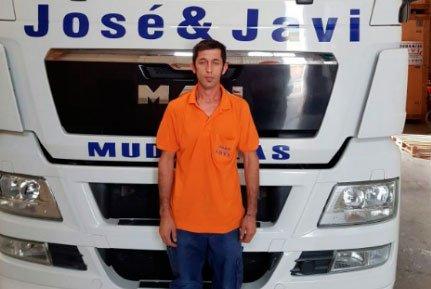 Responsable flota de vehículos y del equipo de mudanzas / guardamuebles